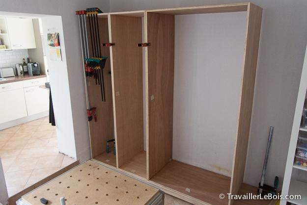 Fabrication d un placard 2 me partie travailler le bois - Fabriquer un placard d angle ...