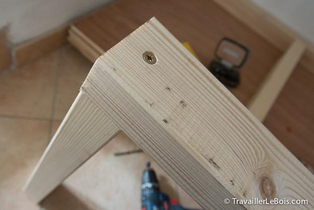 Fabrication d un placard 3 me partie travailler le bois - Etau d angle ...
