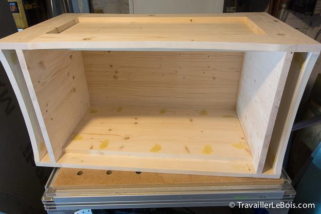 Fabrication d 39 un coffre jouets en bois travailler le bois - Coffre en bois a peindre ...