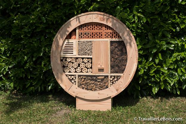 Hôtel à insectes rond