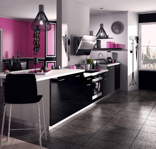une cuisine noire pour une deco lumineuse
