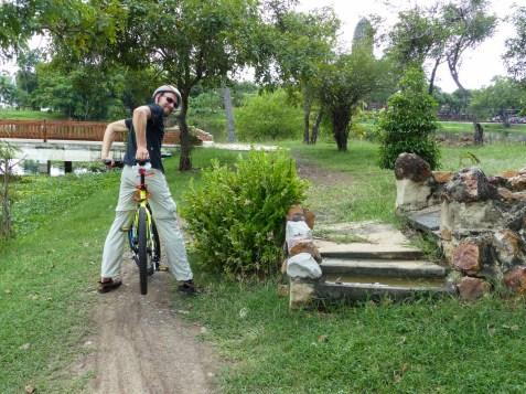 Christian on the mountain bike in Ayutthaya