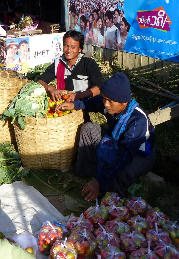 Traders on Nanpan market in the south of Inle Lake