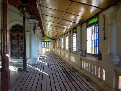 Hallway of the Yadanar Bon Myint temple in Mawlamyine