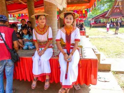 Tana Toraja Funeral Ceremony - grandchildren of the deceased in traditional clothing Christian Jansen & Maria Düerkop