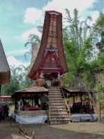 Tana Toraja Funeral Ceremony - traditional house with coffin Christian Jansen & Maria Düerkop