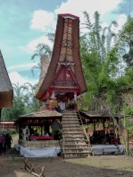 Tana Toraja Funeral Ceremony - traditional house with coffin Christian Jansen & Maria Düerkop
