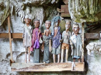 Tana Toraja - wooden figures in ancient funeral caves Christian Jansen & Maria Düerkop