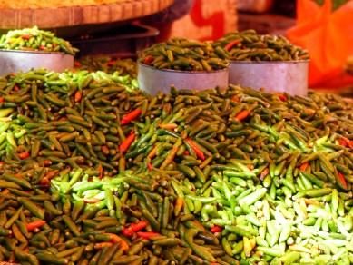 Tana Toraja - chilies at market in Rantepao Christian Jansen & Maria Düerkop