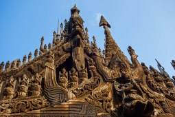 Mandalay - Teak monastery roof Christian Jansen & Maria Düerkop