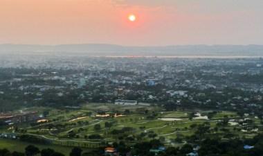 Mandalay hill - Sunset over Mandalay Christian Jansen & Maria Düerkop