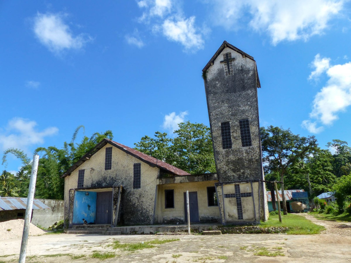 Sumba - village church Christian Jansen & Maria Düerkop