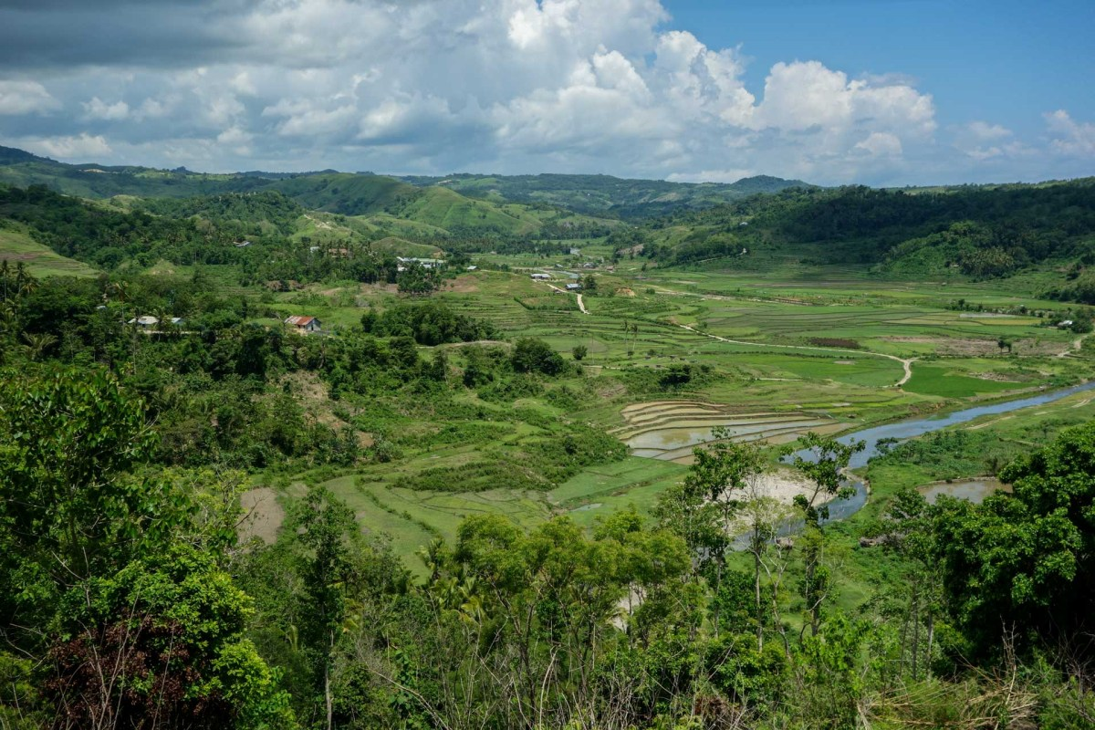 Sumba - view on green valley and rice terraces Christian Jansen & Maria Düerkop