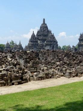 Yogyakarta - Prambanan temples: A huge 3D puzzle Christian Jansen & Maria Düerkop