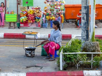 Yangon - Street food saleswoman Christian Jansen & Maria Düerkop