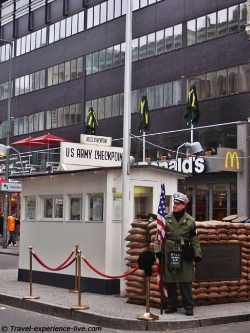 Checkpoint Charlie, Berlin..