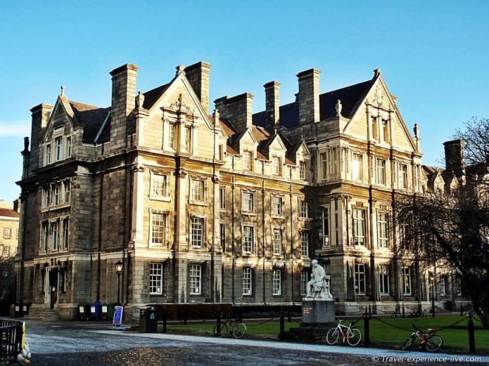 Graduates Memorial Building in Trinity College.