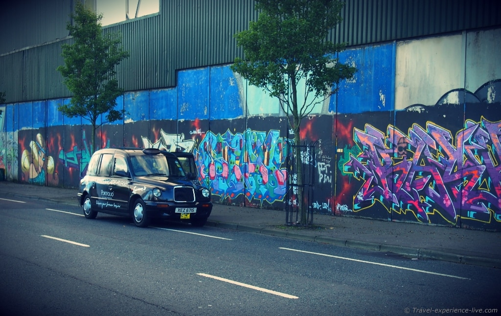 Black Taxi Tour in Belfast.