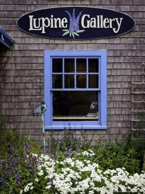 Art gallery on Monhegan Island, Maine.