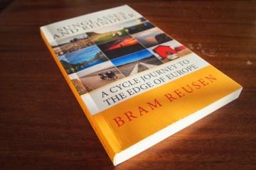 Sunglasses and Reindeer - Bram Reusen (Paperback)