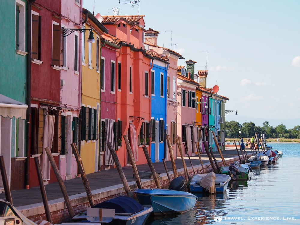 Visit Burano: Colorful fisherman's houses in Burano