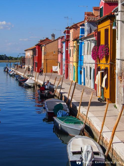 Visit Burano and its fisherman's houses