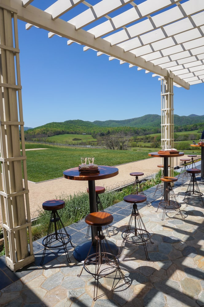 Outdoor seating, Pippin Hill Farm