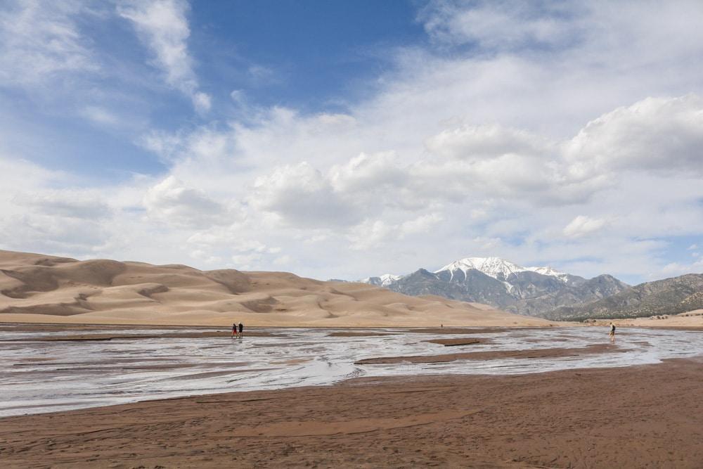 Medano Creek, sand dunes and Sangre de Cristo Mountains, Great Sand Dunes National Park, Colorado