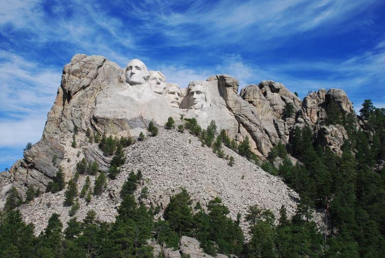 Mount Rushmore, Rapid City, South Dakota - Gateway Towns Near National Parks
