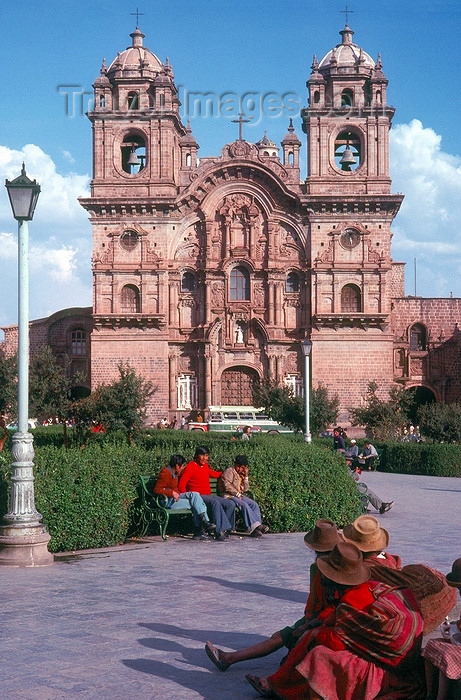 peru36: Cuzco, Peru: La Compañia church - Spanish splendour for the ancient Inca capital - Plaza de Armas - Unesco world heritage site - photo by J.Fekete - (c) Travel-Images.com - Stock Photography agency - Image Bank