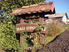 Wooden hayrack with inscription Mali Lipoglav