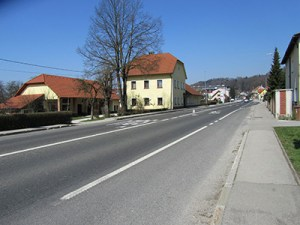 Main road of settlement Lavrica