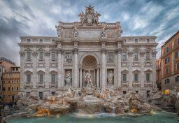 Trevi Fountain - Rome Italy