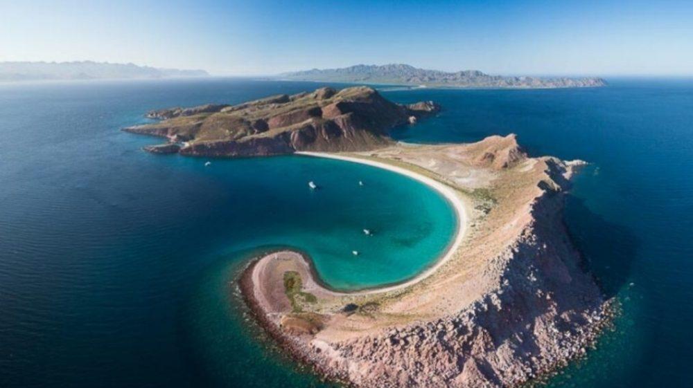 Hook Beach, Isla San Francisquito, La Paz