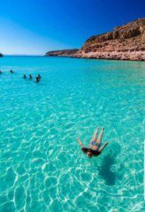Clear waters of Isla Espiritu Santo