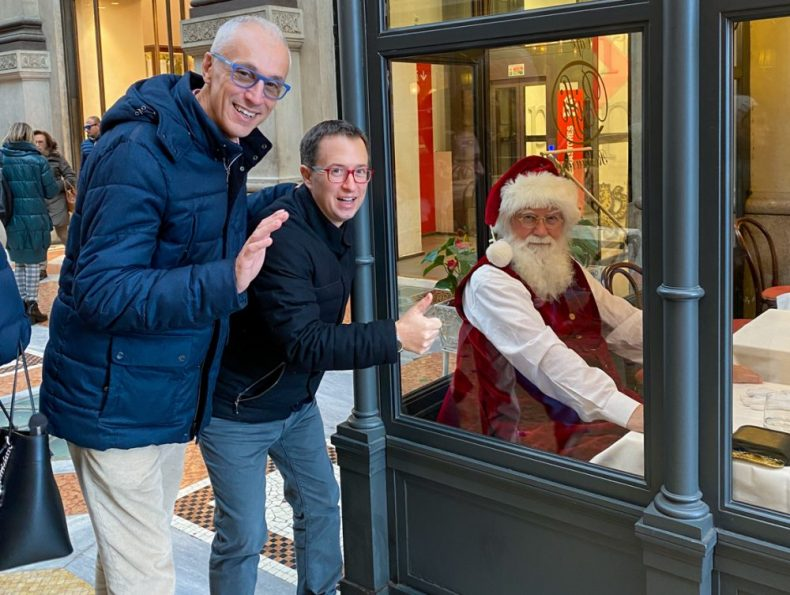 Santa Clause having Lunch in Milan