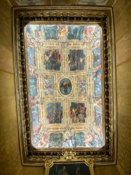 Beautiful fresco inside the Historical Rooms