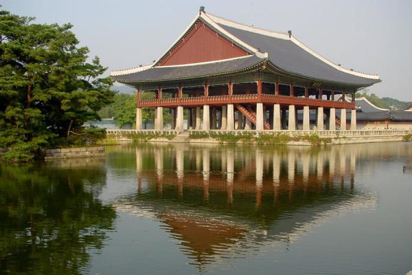 Image of Gyeonghoeru pavilion, Gyeongbokgung Palace, Seoul, South Korea