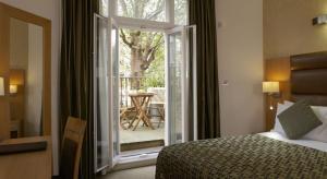 sleeping in london_best western the cromwell