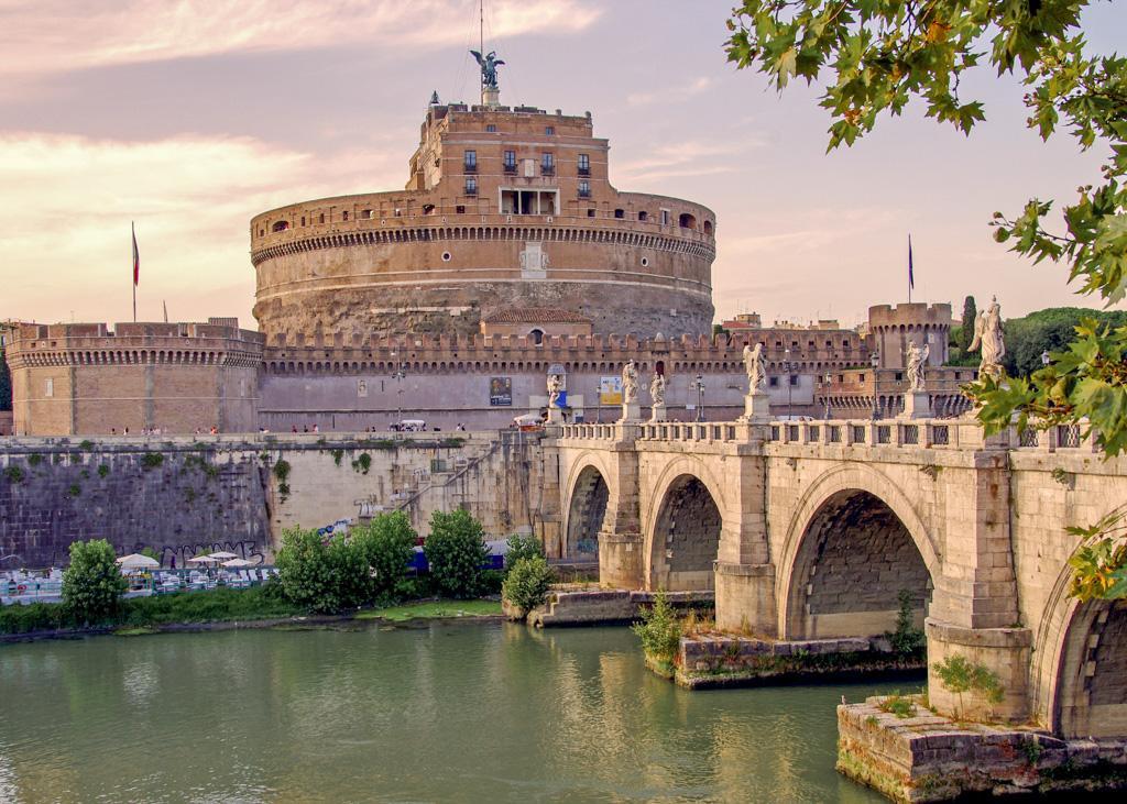 Castel Sant'Angelo over Tiber_Rome_Italy