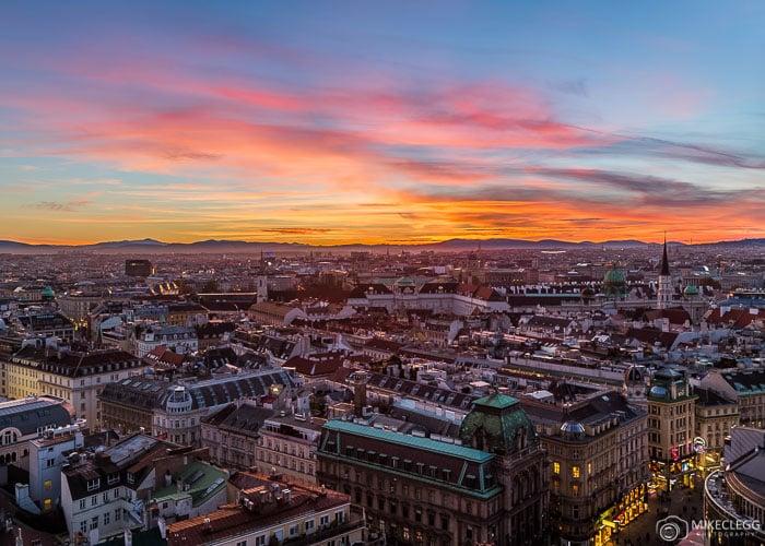 Horizonte de Viena ao pôr do sol