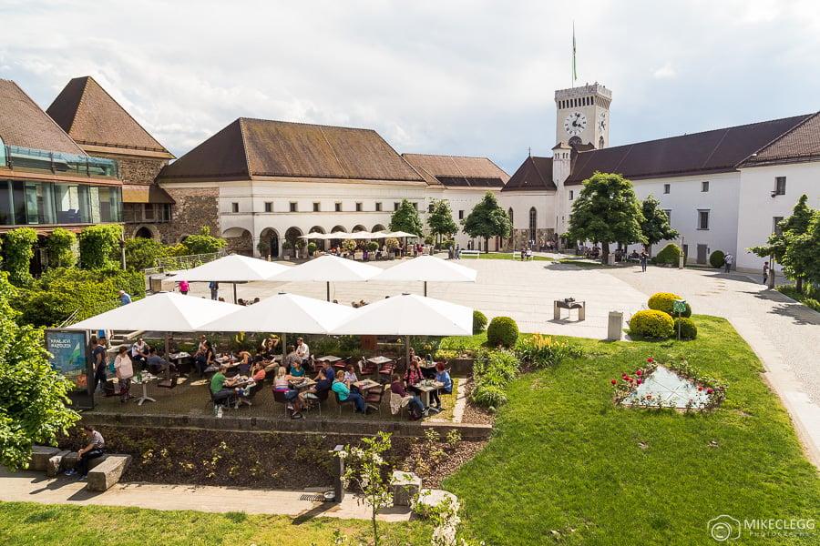Restaurantes no castelo de Ljubljana