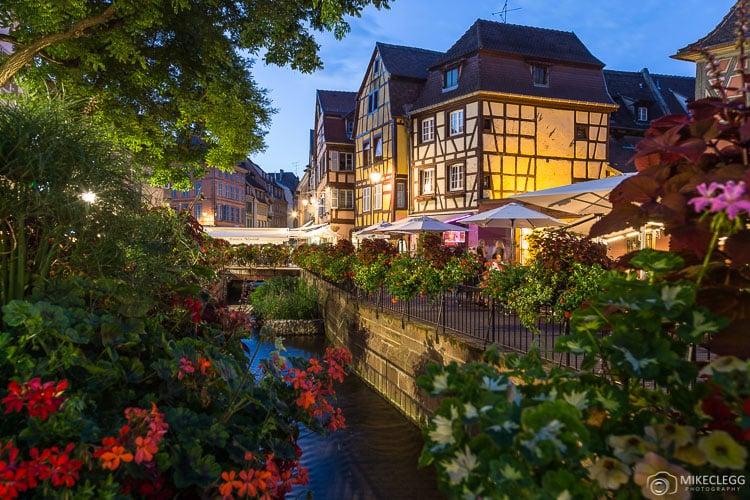 Arquitetura em Colmar à noite