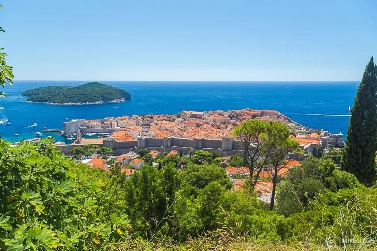 Mirantes altos da cidade velha de Dubrovnik
