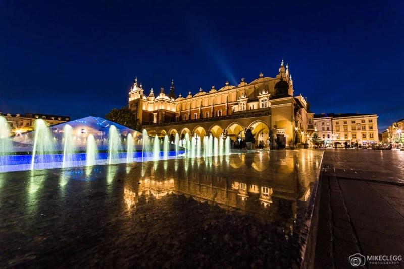 Cloth Hall, Cracóvia à noite