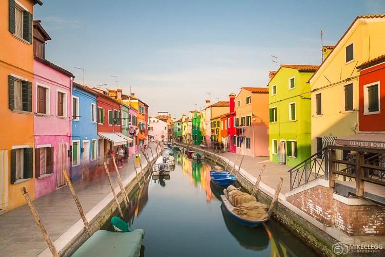 Edifícios coloridos em Burano, Itália