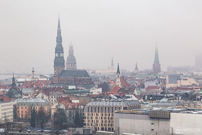 Vista da Academia de Ciências da Letônia