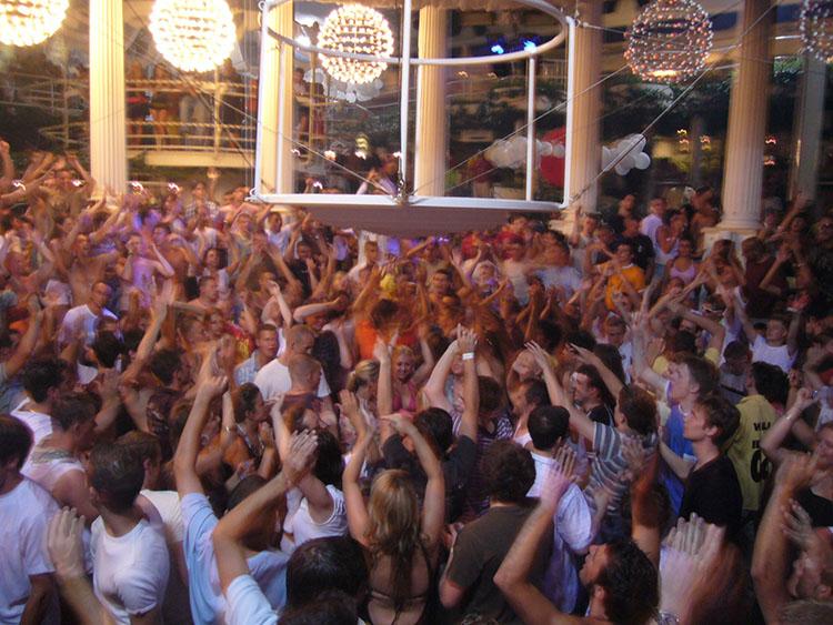 Festas em boates em Ibiza