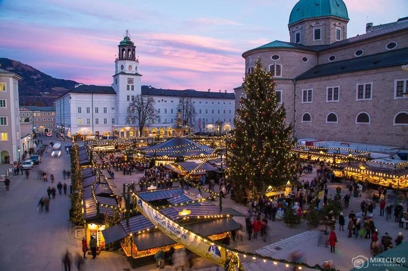 Mercado de Natal de Salzburgo à noite
