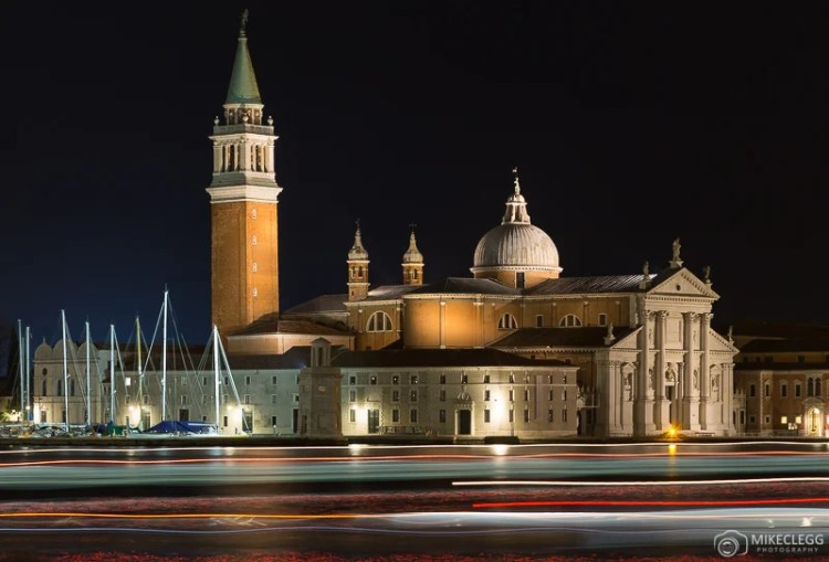 Igreja de San Giorgio Maggiore à noite